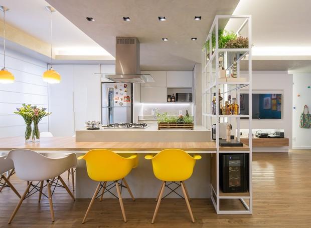 apartamento-reforma-brasilia-casal-jovem-planta-integrada (Foto: Joana França/Divulgação)