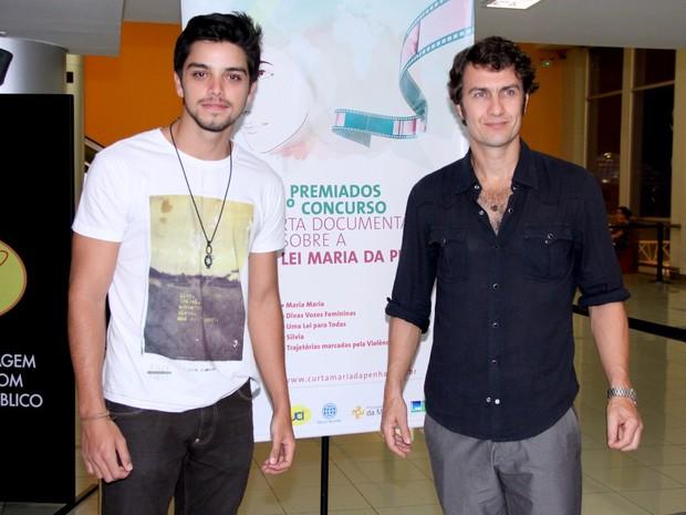 Rodrigo Simas e Gabriel Braga Nunes em evento no Rio (Foto: Alex Palarea/ Ag. News)