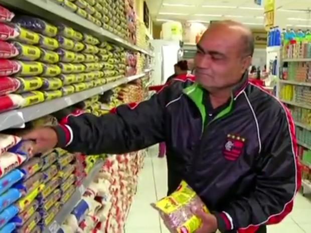 Preço do feijão chega a quase R$ 9 e moradores do Sul do Rio de Janeiro reclamam (Foto: Reprodução/TV Rio Sul)