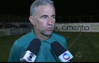"""Jorge Luís reclama de novo tropeço do Sousa: """"Empatar em casa não é bom"""""""