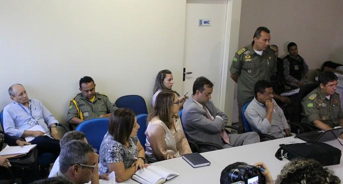 reunião PM final Série D (Foto: Abdias Bideh/GloboEsporte.com)