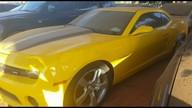 Casal usa documentos falsos para tentar retirar carro de luxo no Detran
