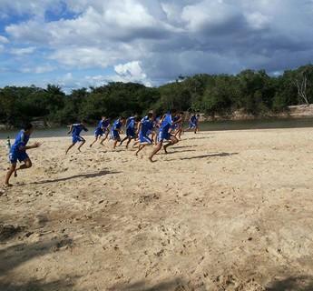São Raimundo corre na areia para chegar bem na Copinha (Foto: Robertson Vieira)