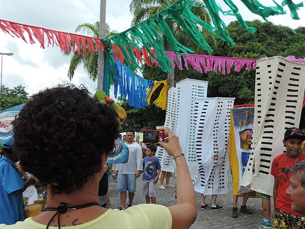 Empatando Tua Vista estreia no carnaval do Recife (Foto: Débora Soares / G1)