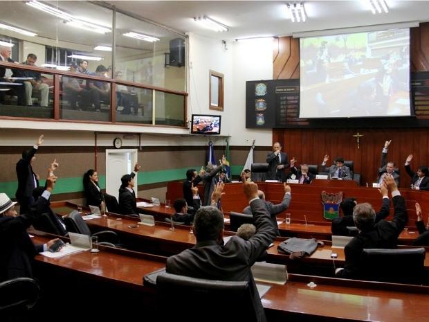 Vereadores de Cuiabá derrubaram veto do prefeito e aprovaram feriado municipal do Dia do Evangélico em 31 de agosto. (Foto: Luiz Alves / Secom-Câmara)