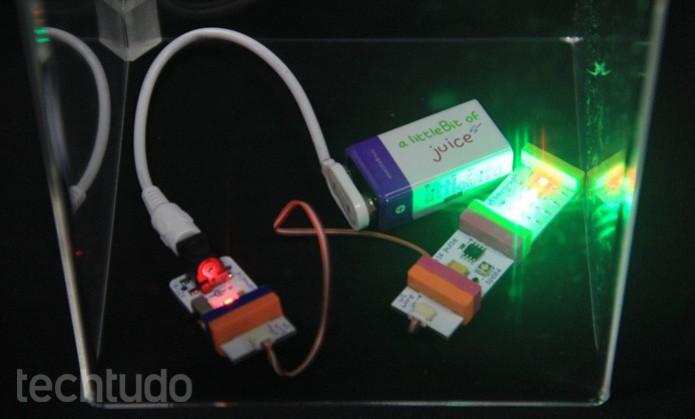 Destinados ao público infantil, os módulos Little Bits permitem criar circuitos com facilidade (Foto: Renato Bazan/TechTudo)