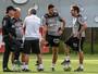 Marcelo Oliveira quebra a cabeça e não revela time que enfrenta o Grêmio
