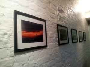 'Hemisférios', exposição fotográfica, Thiago Guimarães de Barros Cobra, FCPA, Pouso Alegre, Divina Maria Café (Foto: Daniela Ayres/ G1)
