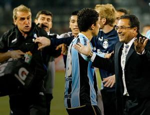 Luxemburgo confusão jogo Huachipato Grêmio (Foto: AFP)