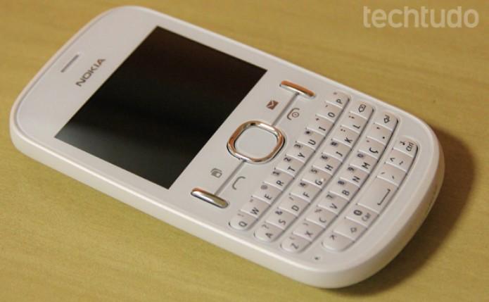 Nokia Asha 200 (Foto: TechTudo/Juliana Sousa)