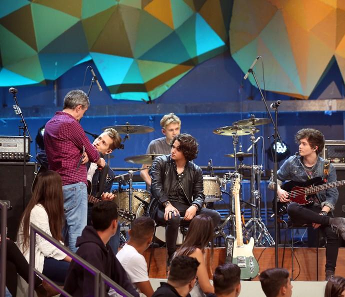 Banda The Vamps participa do programa Altas Horas (Foto: Carol Caminha/Gshow)