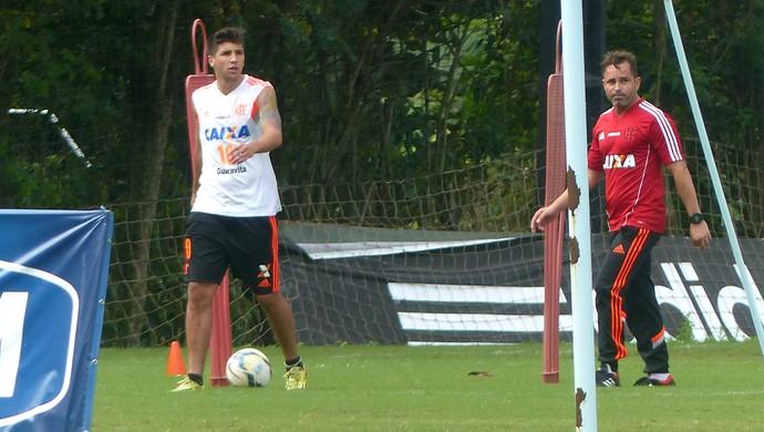 Mugni Treino Flamengo (Foto: Globoesporte.com)
