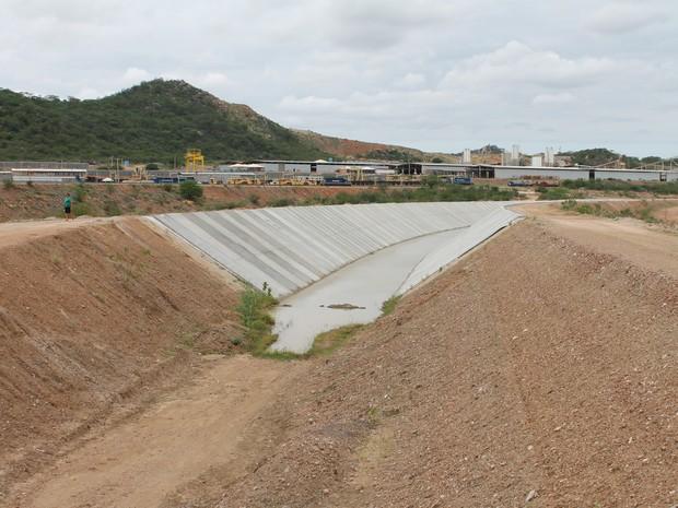 Com orçamento inicial de r$ 4,5 bilhões, a obra da transposição tem valor atual de r$ 9,6 bilhões. (foto: taisa alencar / g1)