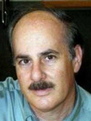 Michael Fine foi acusado de hipnotizar duas clientes (Foto: Reprodução/YouTube/WKYC)