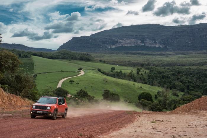 Jeep Renegade livre, leve e solto pelas trilhas da Chapada Diamantina (Foto: Divulgação)