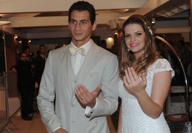 Paulo Henrique Ganso e Giovana Costi (Foto: Léo Franco e Francisco Cepeda/AgNews)