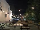 Nova opção de lazer no Recife, food park é inaugurado ao som de DJs