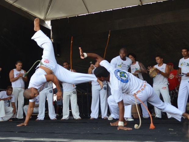 Roda da Capoeira Brasil encanta o público (Foto: Marina Fontenele/G1)