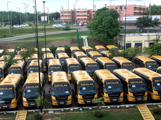 Ônibus entregues pelo governo do MA (Foto: Handson Chagas / Secom)