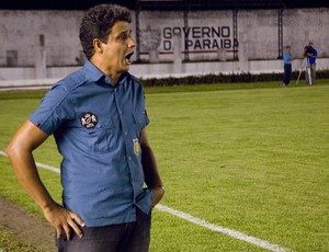 Reginaldo Sousa, técnico do Nacional de Patos (Foto: Felipe Gesteira)