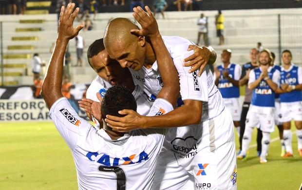 Marcel comemora gol do ABC contra o Atlético-GO (Foto: Júnior Santos / Agência estado)
