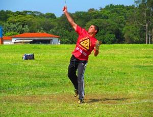 André Caixeta Ribeiro, atleta de bumerangue em Patos de Minas, MG (Foto: Arquivo Pessoal/ André Caixeta)