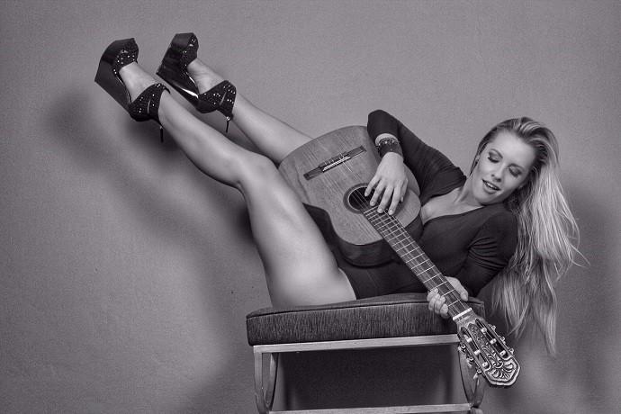 Ju Valcézia é fã de rock desde pequena (Foto: Divulgação)