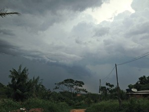 Tempo nublado no Acre nesta quinta-feira (25), segundo o Sipam (Foto: Caio Fulgêncio/G1)