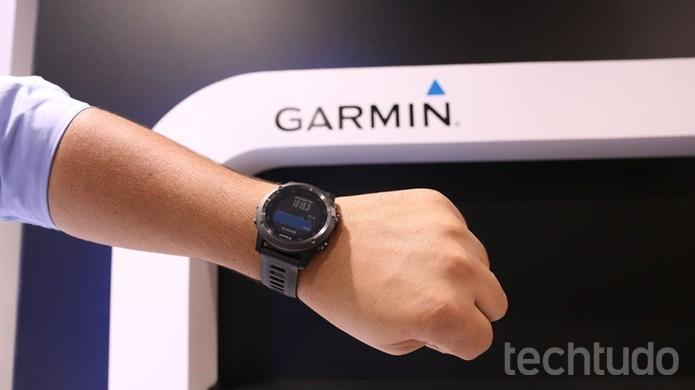 Relógio inteligente da Garmin é resistente à água (Foto: Nicolly Vimercate/TechTudo)