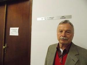 Walter Furlanete, 69, é um dos mediadores voluntários que atua em casos de família no Fórum João Mendes. 'Tem juiz que não acredita muito, mas estão mudando de ideia', afirma (Foto: Rosanne D'Agostino/G1)