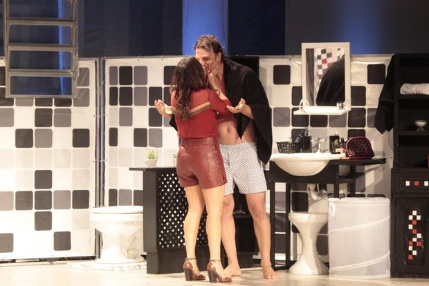 Fernanda Vasconcellos e Cássio Reis (Foto: Isac Luz/EGO)