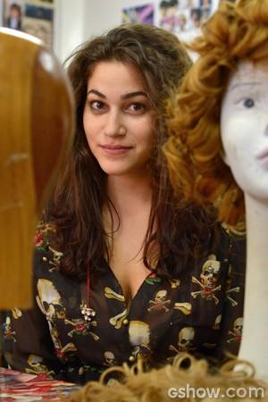 Yasmin vê semelhanças com Joaquina (Foto: Raphael Dias / TV Globo)