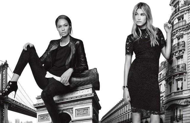 Joan Smalls e Hailey Baldwin para Karl Lagerfeld (Foto: Divulgação)