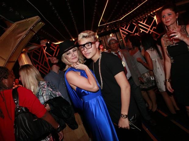 Antônia Fontenelle e Mc Gui em festa no Rio (Foto: Isac Luz/ EGO)