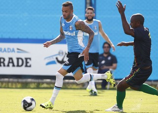 Luan Grêmio x Danubio (Foto: Lucas Uebel/Divulgação Grêmio)