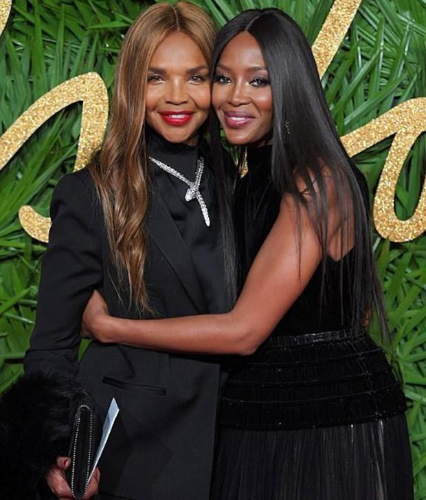 Naomi e a mãe Valerie Morris-Campbell (Foto: Reprodução / Instagram)