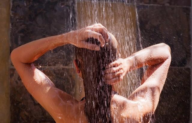 Tome um banho revigorante! (Foto: Think Stock)