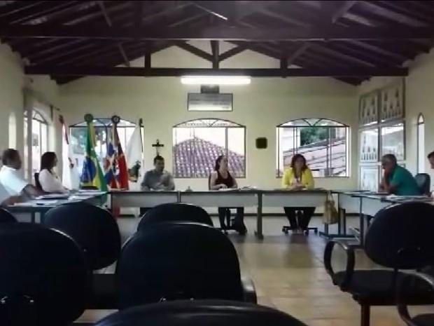Projeto de lei foi aprovado na primeirão Reunião Ordinária da Câmara de Jesuânia em 2016 (Foto: Reprodução EPTV)