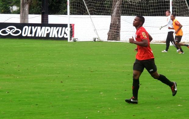 Felipe Dias no treino do Flamengo (Foto: Janir Júnior / Globoesporte.com)