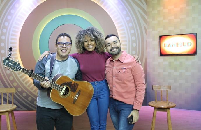 Elias Moreira e Jéssica Stephens participam do 'Paneiro Web' (Foto: Gabriella Lira/ Rede Amazônica)