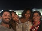 Sabrina Sato aproveita jantar com o namorado, Gloria Maria e a sogra