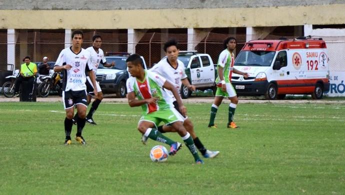 Baraúnas x Corintians-RN, no Estádio Nogueirão (Foto: Alcivan Costa/Gazeta do Oeste)
