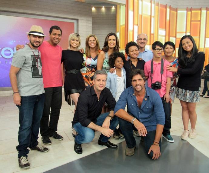 Fátima com os convidados do 'Encontro' (Foto: Priscilla Massena/Gshow)