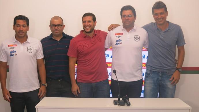 Portuguesa Santista apresenta nova comissão técnica para 2015 (Foto: Cássio Lyra)