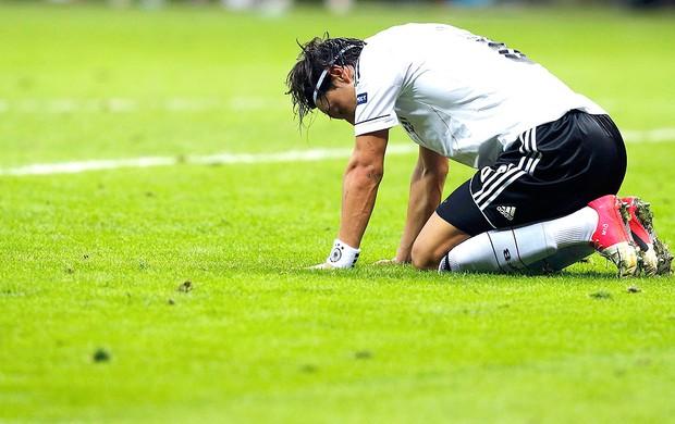 Ozil na derrota da Alemanha para a Itália (Foto: Reuters)