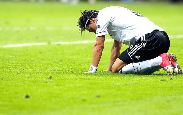 Balotelli decide e coloca Itália na final da Euro e na Copa das ... 4ff228ed1bf0d