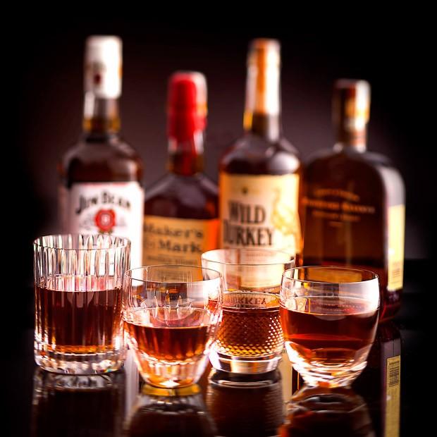 As diferenças entre os quatro bourbons mais populares no Brasil