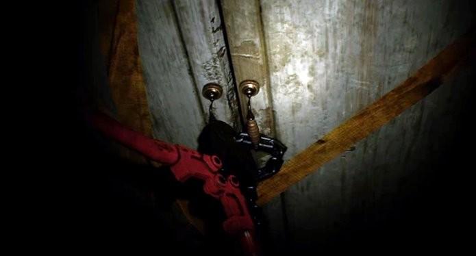Vídeo misterioso também é chave para resolver o enigma de Resident Evil 7 (Foto: Reprodução/Felipe Demartini)