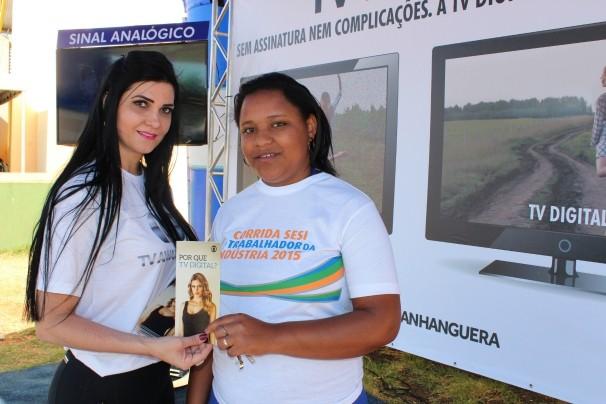 A TV Anhanguera tem intensificado as ações de promoção e orientação sobre TV Digital em Rio Verde. (Foto: TV Anhanguera)