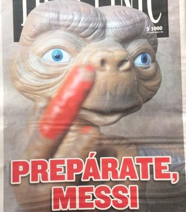 Jornal chileno brinca com E.T, lance de Jara e Messi